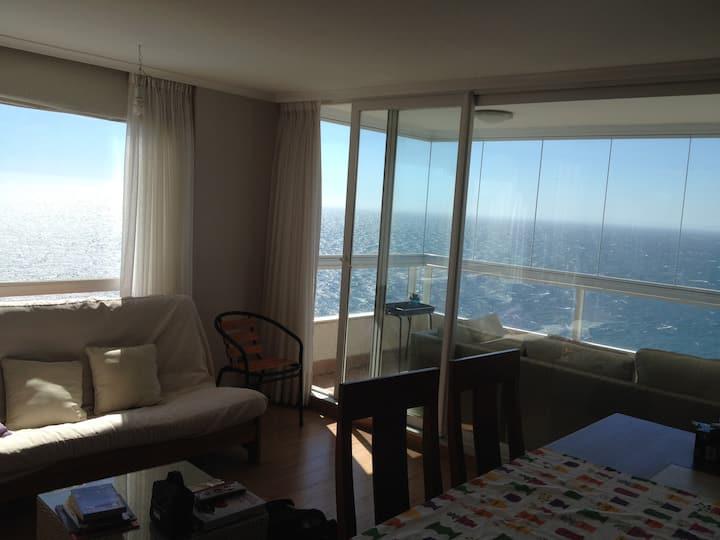 Beautiful apartment w/wonderful ocean view 2 rooms