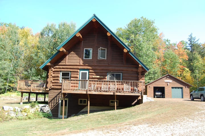 Large Secluded Log Cabin near Ski Resorts/Trails!