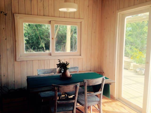 La Pedrera. Cabaña nueva. Lugar verde y tranquilo