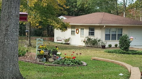 Newly Renovated Private Guest House in North Macon