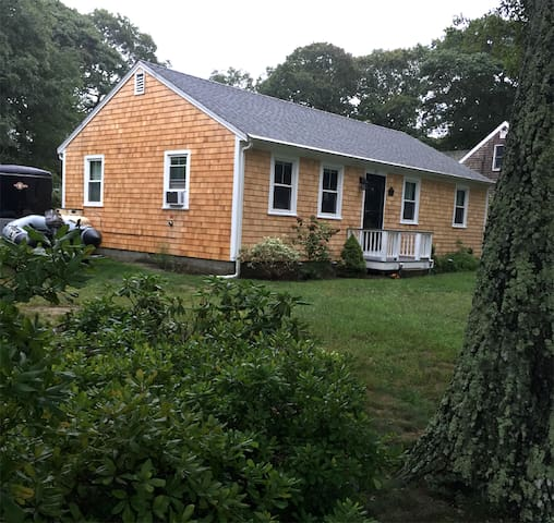 Vineyard Haven: Newly Renovated Home