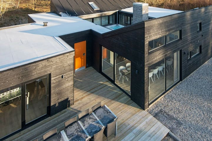 Modern Holiday Home in Glesborg with Swimming Pool