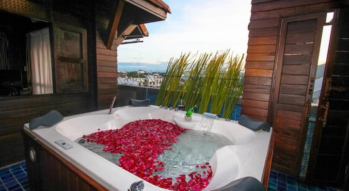 4.Lanna Jacuzzi Suite 2-Free transfer Include ABF
