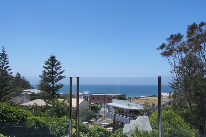 Fabulous ocean views,  a relaxing place to unwind.