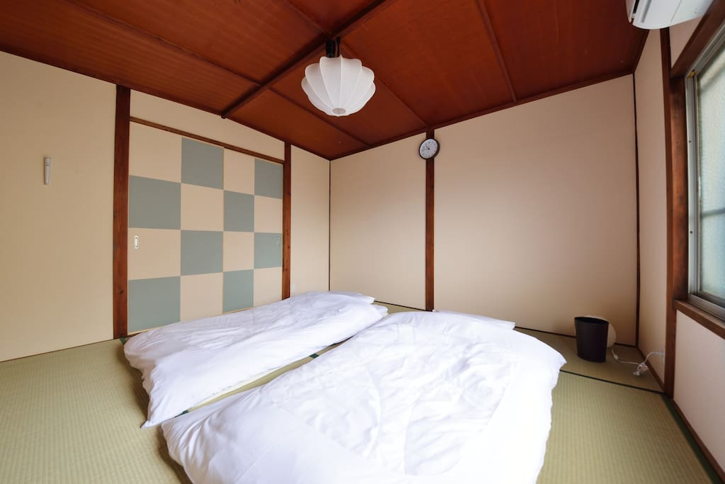 Tatami mat Futon beds room for 3 people