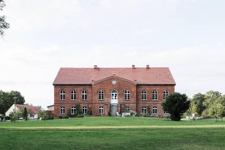 Kranich Hotel in Hessenburg, Kutschenhaus 1