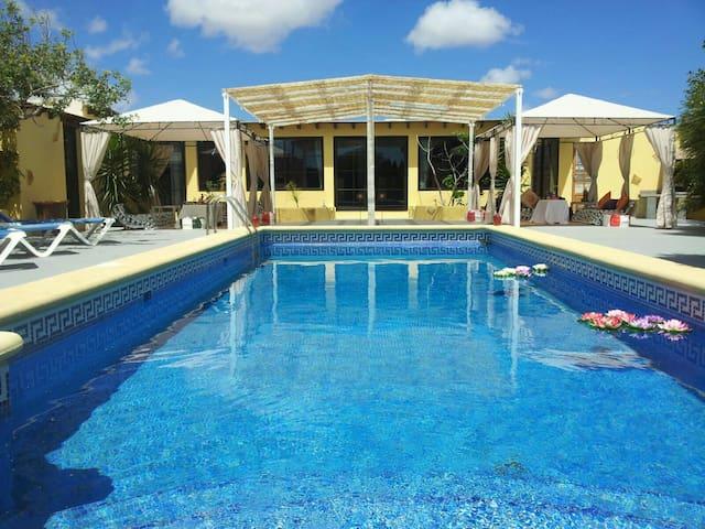 Villa Tahiche con piscina privada - Tahiche, Canarias, ES - Hus
