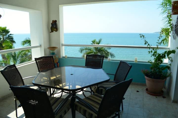 Condominium on the fourth floor, at a very quiet oceanfront building