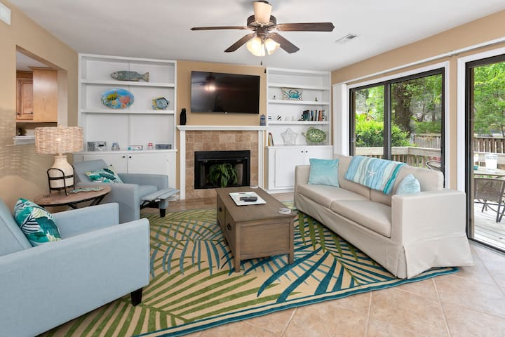 Beautifully Decorated, Quiet Condo on St Simons Island!