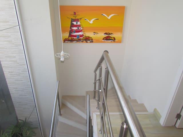 Condominio fechado Las Palmas Sobrado 3 suites