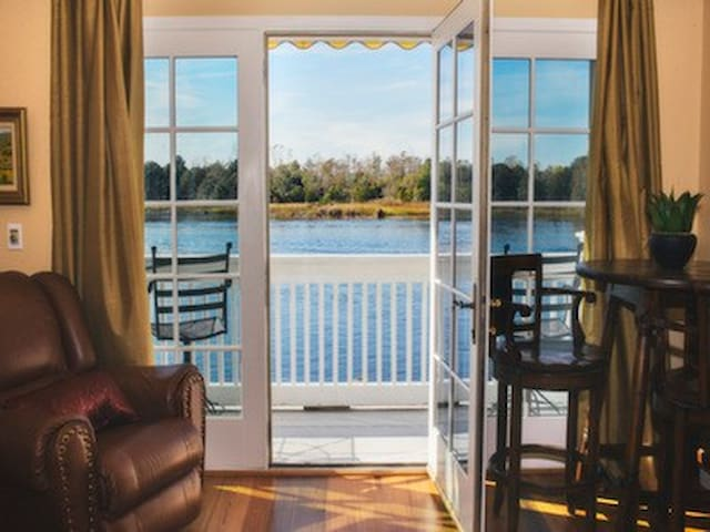 Water St condo overlooking Cape Fear River