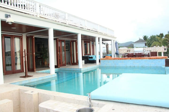 Villa Azure - Saint John's - Casa