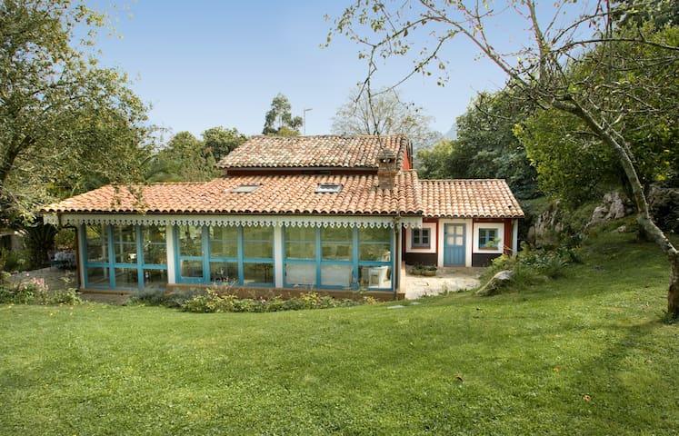 Charming and rustic Casa Lledias - Llanes - Villa