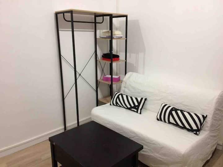 Studio Clichy logement entier