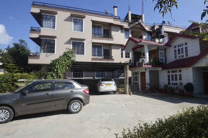 Serviced Apartment next to Golf Course