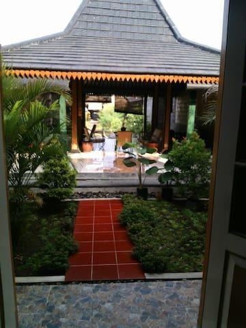 """Javanese house """"GARUNG"""""""