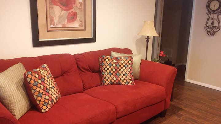 New one bedroom apt 5 mins from Downtown Asheville