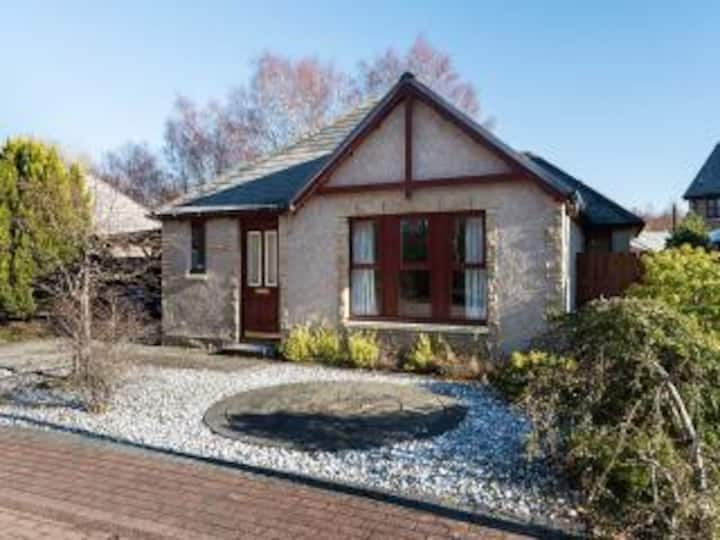 Aviemore Holiday Home in great woodland location