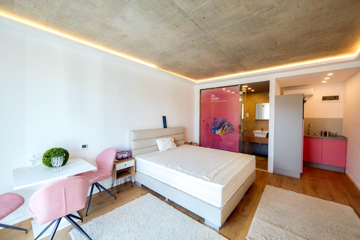 A9 Luxury Balatonudvari / Sauna+Jacuzzi / 2