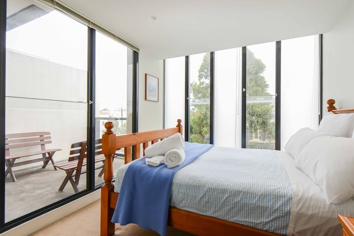 Beach+City+Cafes all within minutes - Port Melbourne - Wohnung
