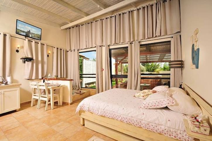 Adar Suites in the Golan - Suite with Spa Access