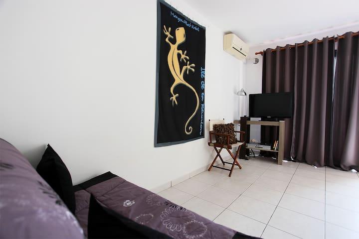 Studio meublé SAINT DENIS La Providence