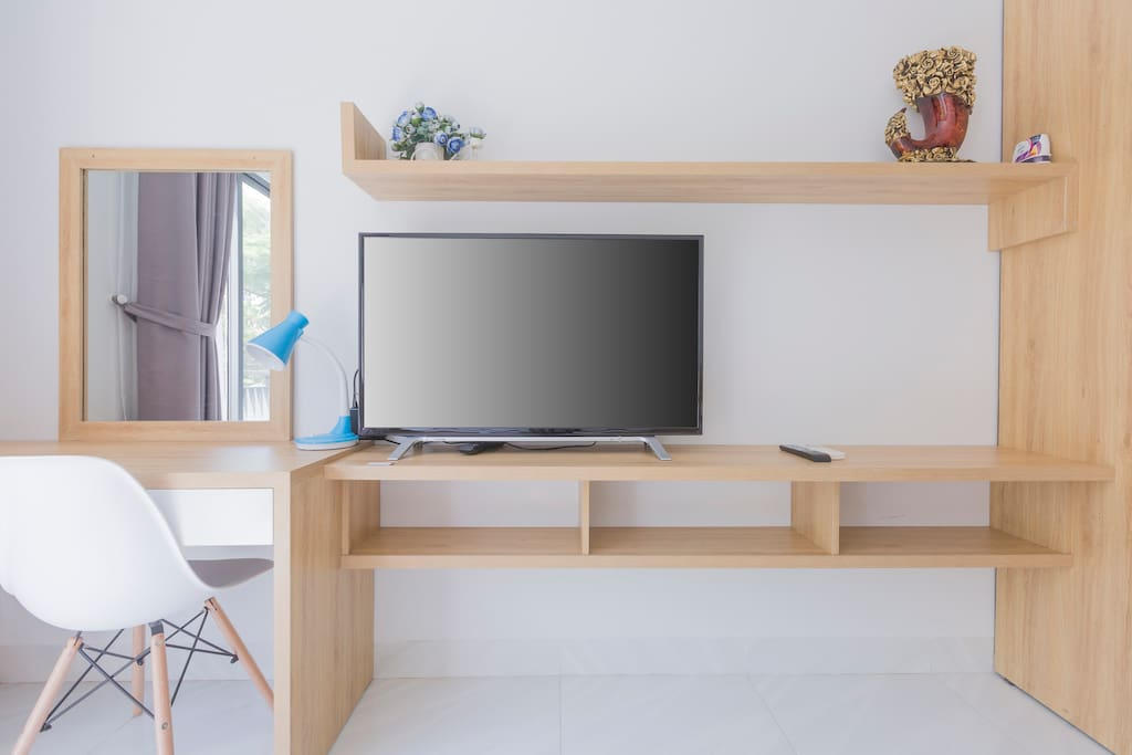 Desk & Cable TV  Simple and efficient design