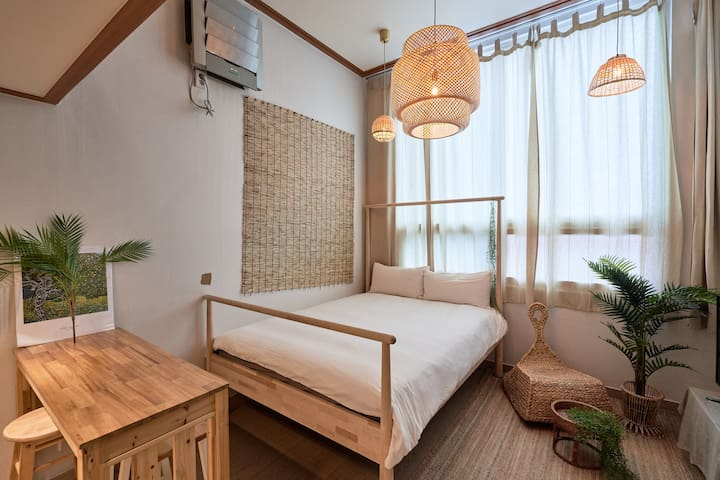 (Just opened!) Cozy studio in center of Hongdae #4
