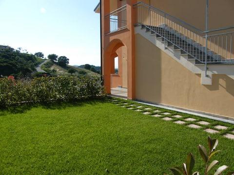 Appartamento Villagio Emerald con giardino privato