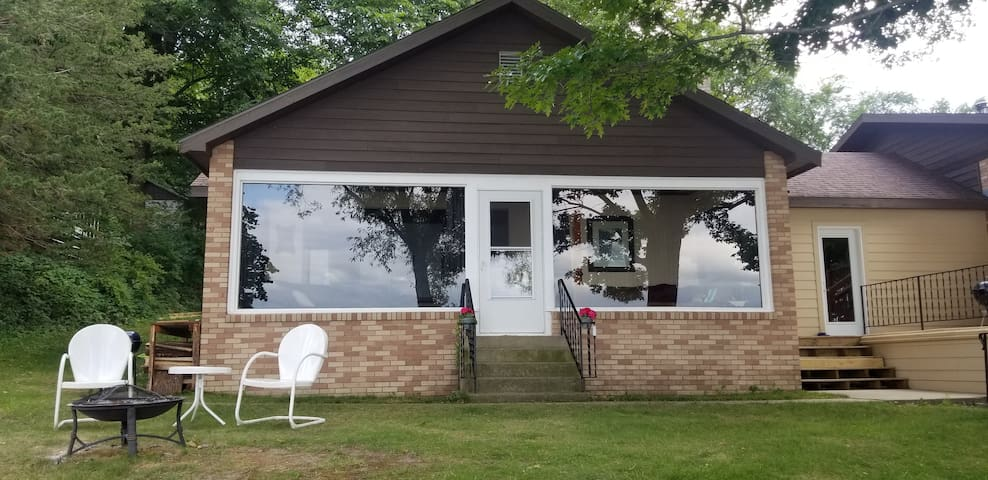 Tranquil Cottage at Big Birch