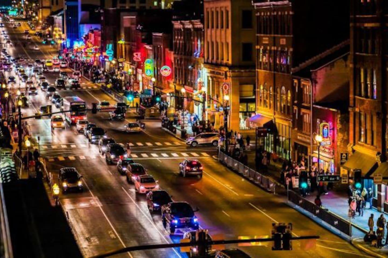 Nashville night life within minutes!