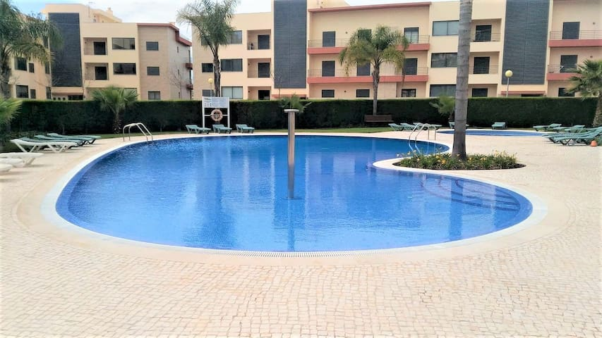 Sunny, pool, balcony. Marina Lagos. Best location