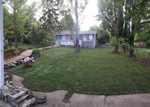 Private cottage in Tukwila. Close to Sea-Tac