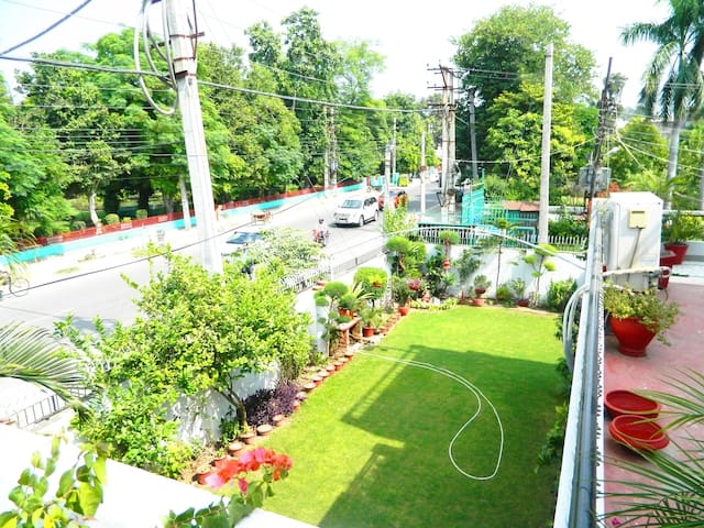 Entire 3BHK in Posh Locality near Mall Road
