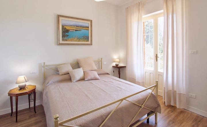Suite Giardino, apartment in Villa near the sea.