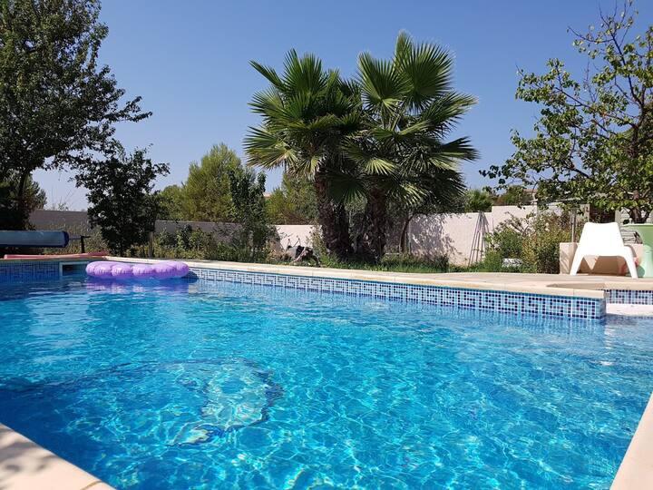 Ravissante villa de 160m² avec jardin et piscine