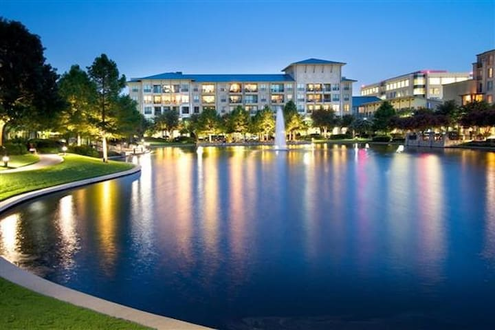 2bd Oasis in Shops of Legacy-Heart of Plano/Frisco