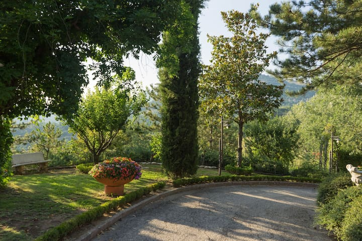 Apartment in Villa with Garden and Swimming Pool in Tagliacozzo