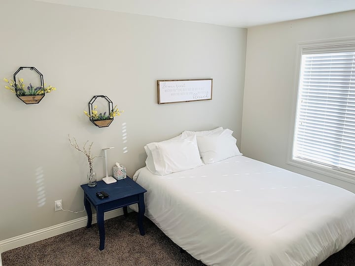 Serene Getaway Private Room—No Cleaning fee