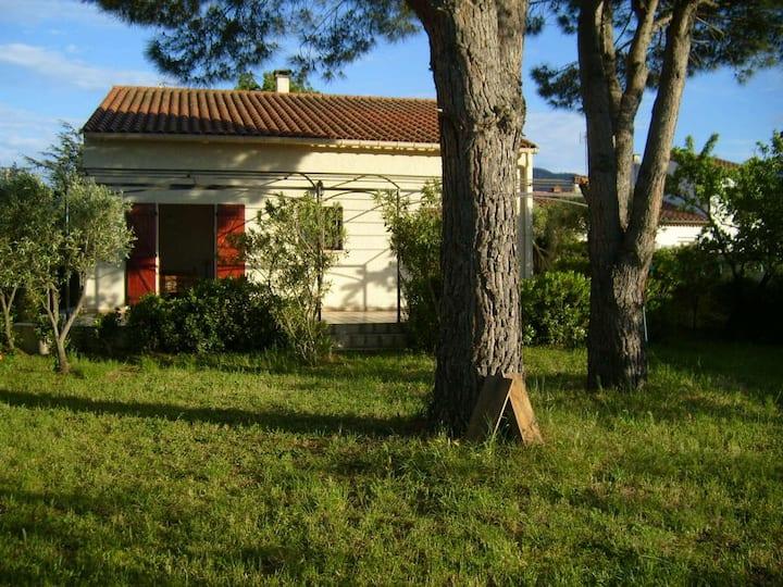 Villa dans la verdure à proximité d'Argeles/mer