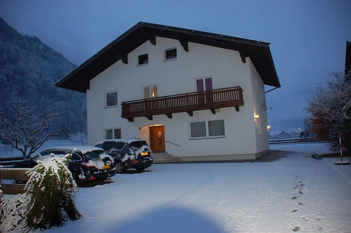 Vakantiewoning dichtbij skipiste - Kirchbichl - House