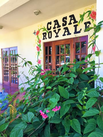 WELCOME TO CASA ROYALE