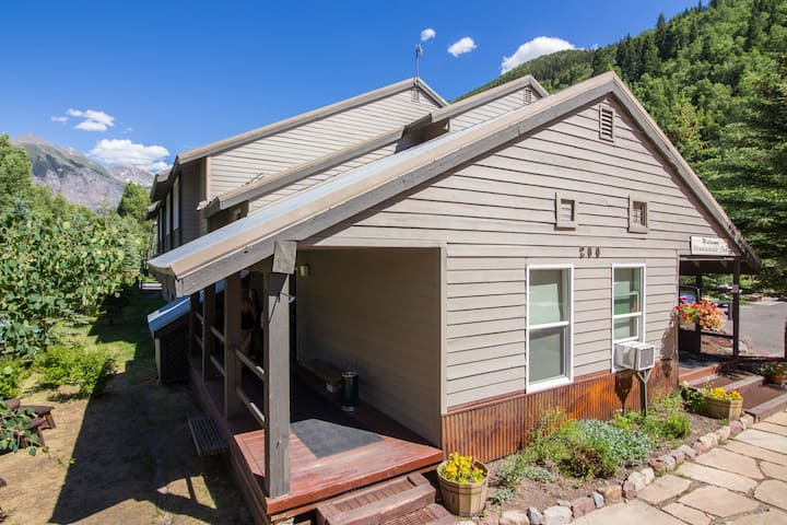 Mountainside Inn by Alpine Lodging Telluride - 1 Bedroom 1 Bath Sleeps 3