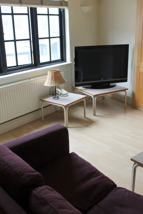 Please note that we have more than one apartment in this building. These pictures reflect the overall standards of these apartments.