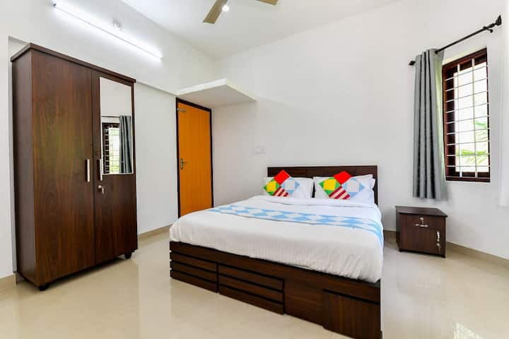 CENTER HOME WAYANAD- 2 ROOMS IN HOUSE
