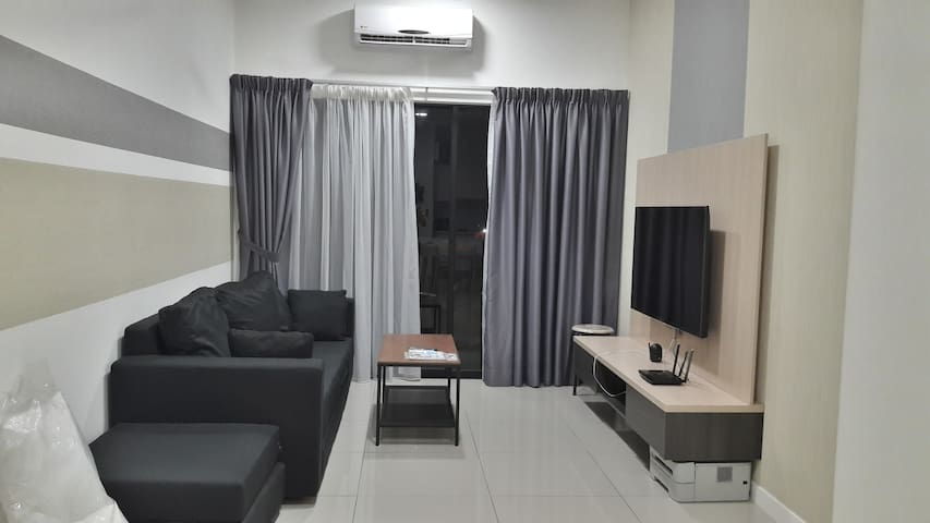 Lady/Executive Queen Bedroom MSU, Sunway, Stadium
