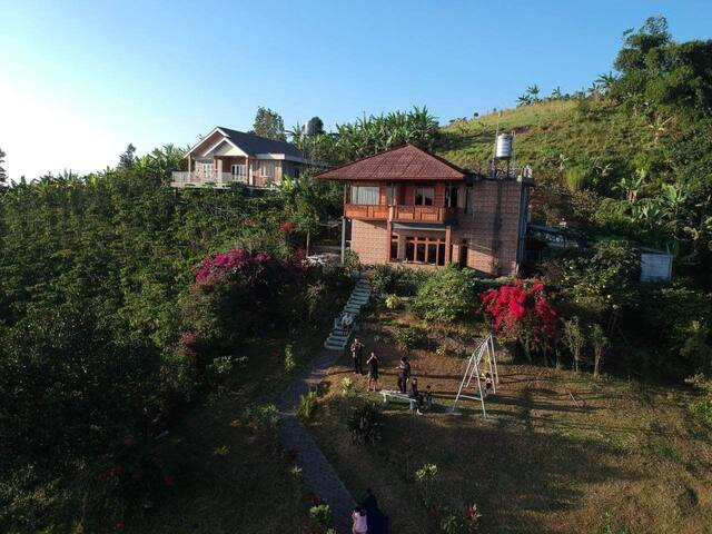 Villa Puncak Dua (Manado style House)