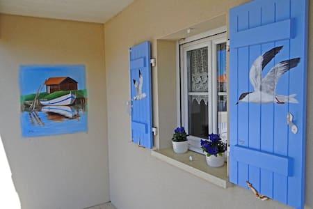 """""""Villa Solyn""""   Villa  d'Artiste a 2 pas de la Mer - Meschers-sur-Gironde"""
