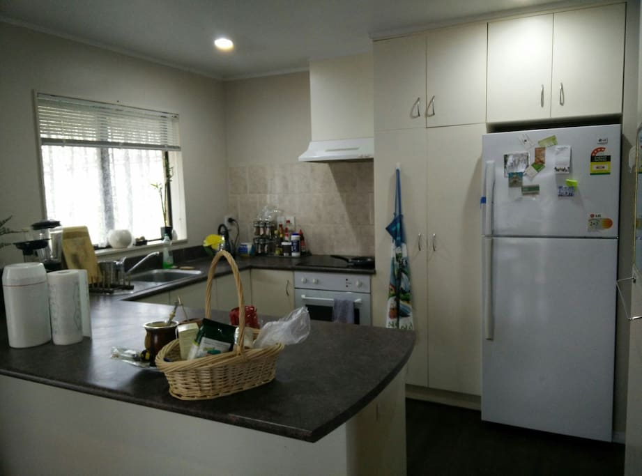 Fully equipped kitchen with a good working space