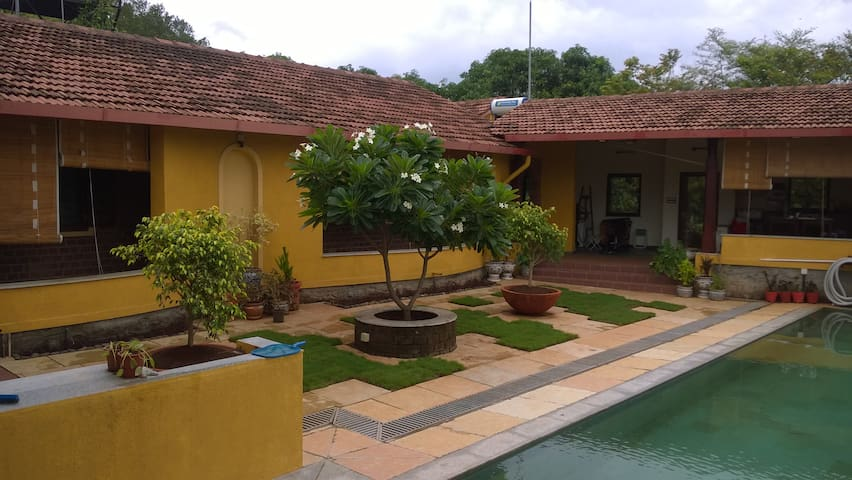 Sohana - 2BR Stylish Riverside Eco Retreat - Karjat - Haus